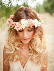 summer-hairstyle-trends-flower-crown-600x900